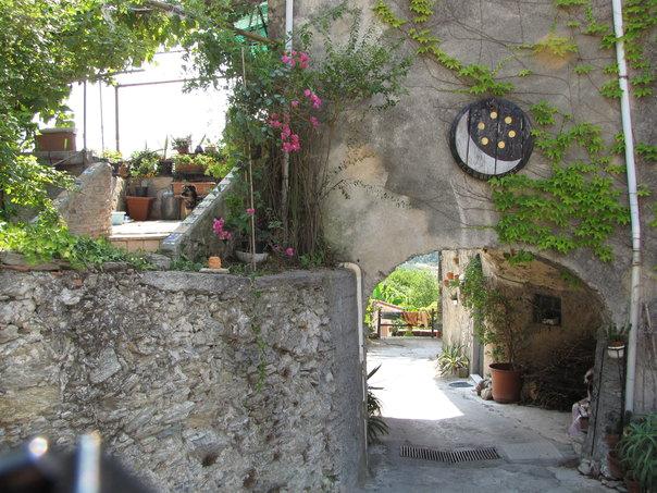 Bed and breakfast la luna e sei soldi b b a pietra ligure riviera ligure liguria italia - B b porta di mare ...